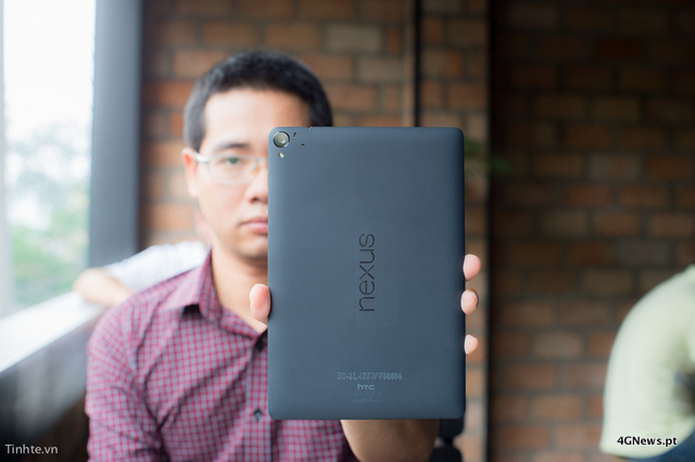First-Nexus-9-with-keyboard-cover-hands-on-photos-23.jpg