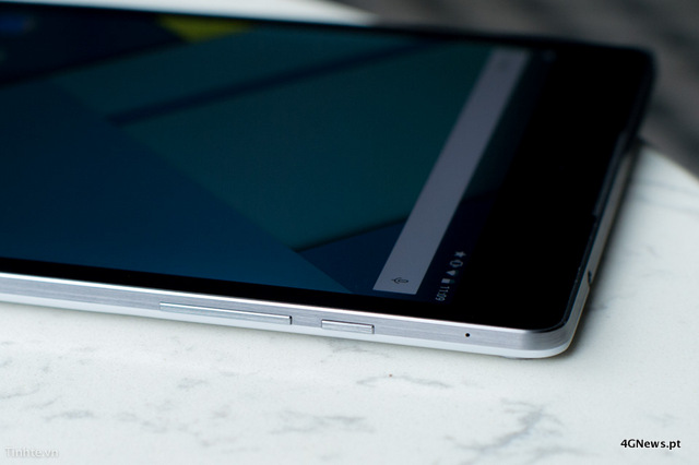 First-Nexus-9-with-keyboard-cover-hands-on-photos-25.jpg