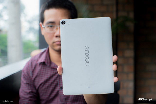 First-Nexus-9-with-keyboard-cover-hands-on-photos-31.jpg