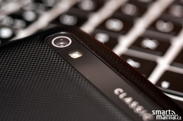 Images-of-the-BlackBerry-Classic.jpg