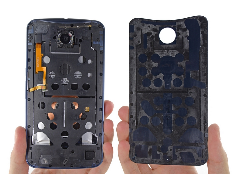 Google-Nexus-6-disassembled-by-iFixit-4.jpg