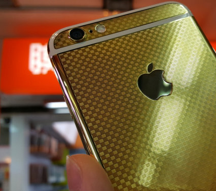 24K-gold-plated-version-of-the-Apple-iPhone-6.jpg.jpg