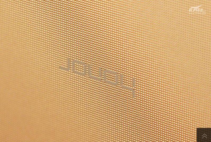 Huawei-Hnor-6-Plus-in-gold-11.jpg