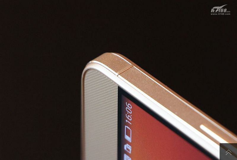 Huawei-Hnor-6-Plus-in-gold-7.jpg
