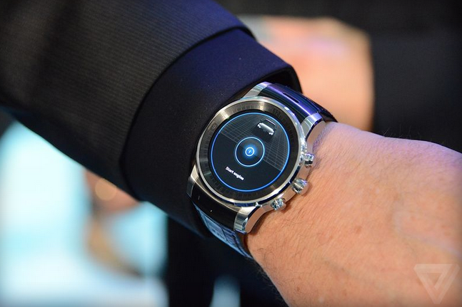 Mysterious-LG-smartwatch-spotted-at-CES-2015.jpg.png