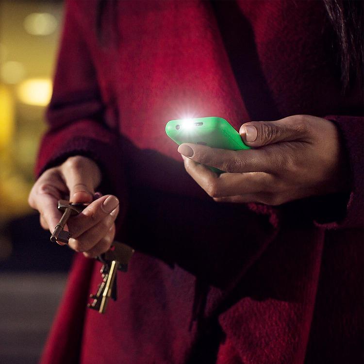 Nokia-215-torch-jpg.jpg