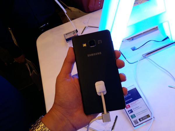 Samsung-Galaxy-A7-6.jpg