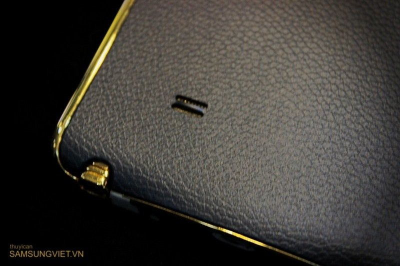 A-closer-look-at-the-gold-version-of-the-Galaxy-Note-Edge-10.jpg