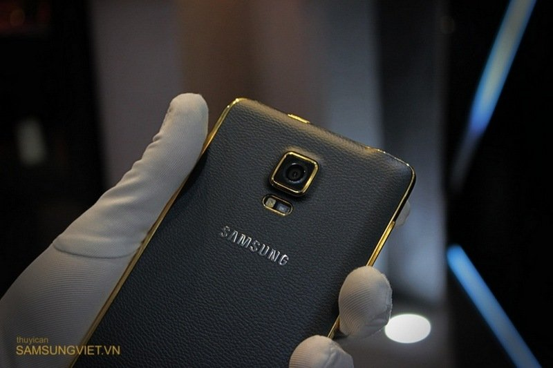 A-closer-look-at-the-gold-version-of-the-Galaxy-Note-Edge-13.jpg