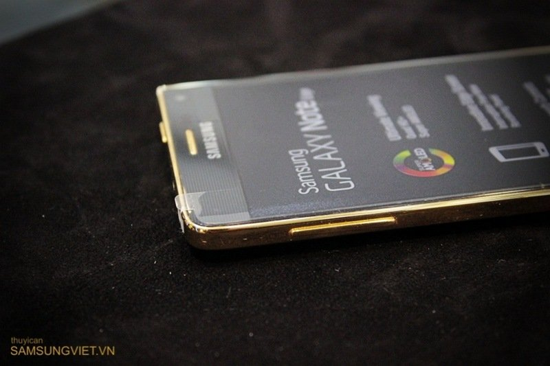 A-closer-look-at-the-gold-version-of-the-Galaxy-Note-Edge-18.jpg