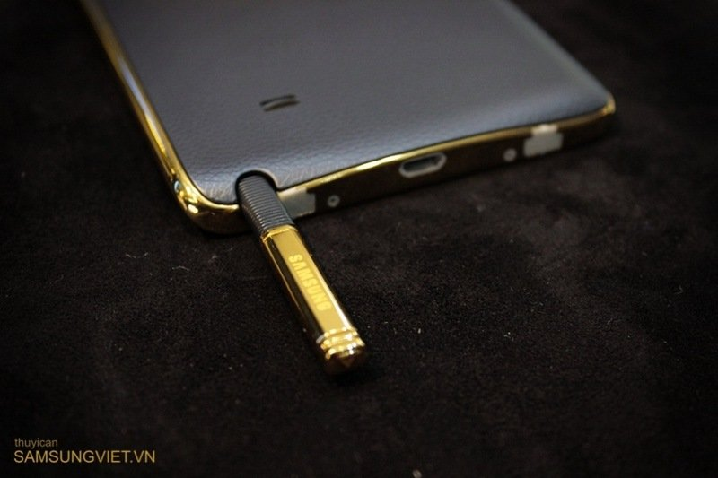 A-closer-look-at-the-gold-version-of-the-Galaxy-Note-Edge-23.jpg