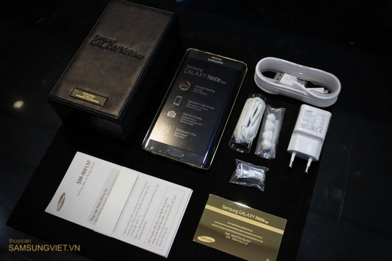 A-closer-look-at-the-gold-version-of-the-Galaxy-Note-Edge-3.jpg