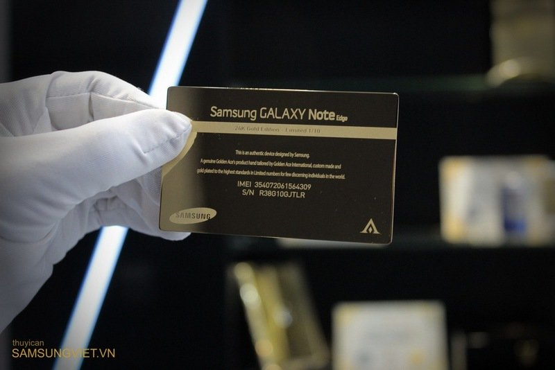 A-closer-look-at-the-gold-version-of-the-Galaxy-Note-Edge-4.jpg