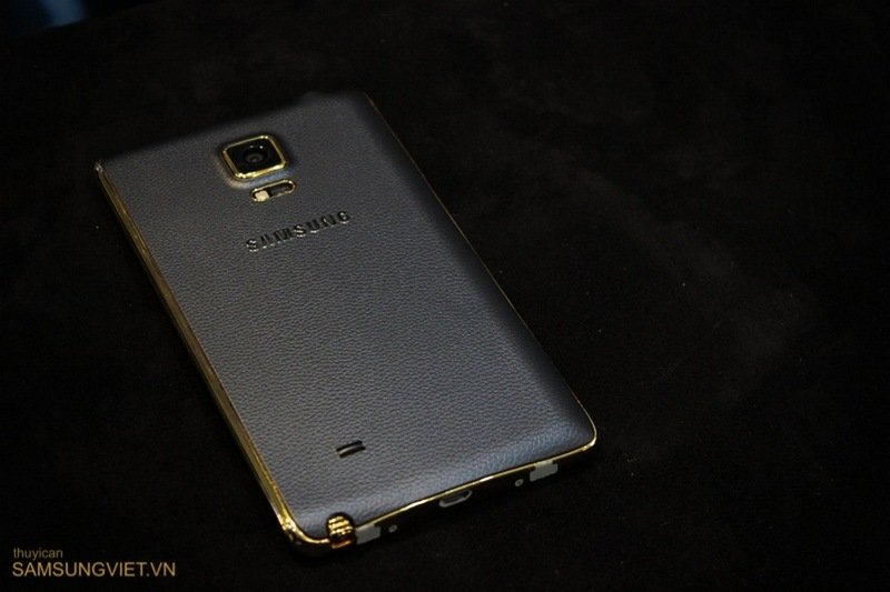 A-closer-look-at-the-gold-version-of-the-Galaxy-Note-Edge-8.jpg