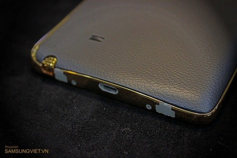 A-closer-look-at-the-gold-version-of-the-Galaxy-Note-Edge-9.jpg