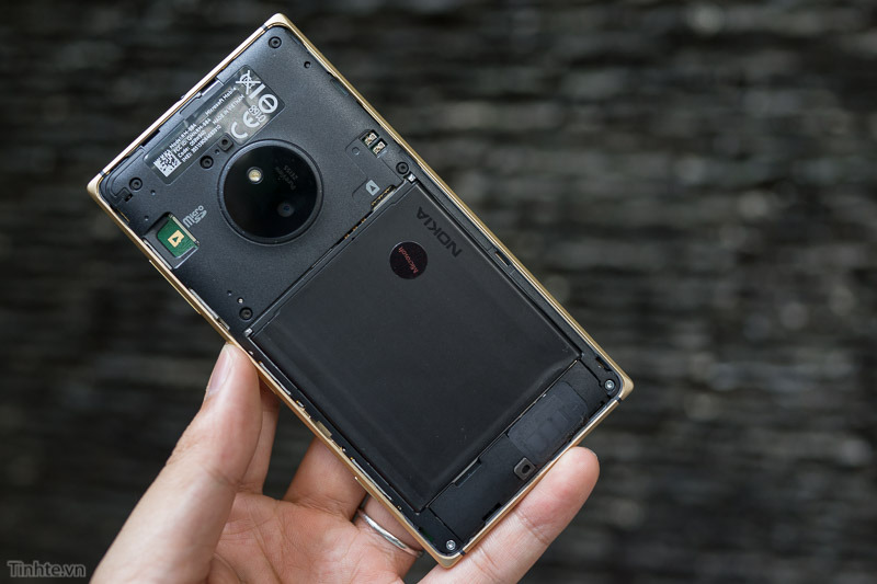 Nokia-Lumia-830-17.jpg