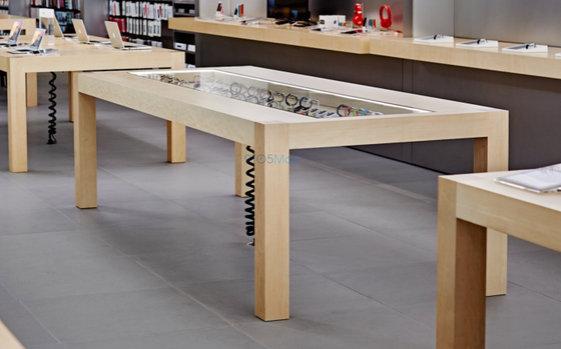 Apple-Watch-on-display-at-the-Apple-Store.jpg.jpg