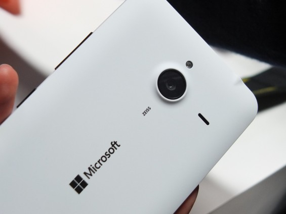 Microsoft-Lumia-640-XL- f