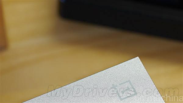 Oneplus-box-2.jpg