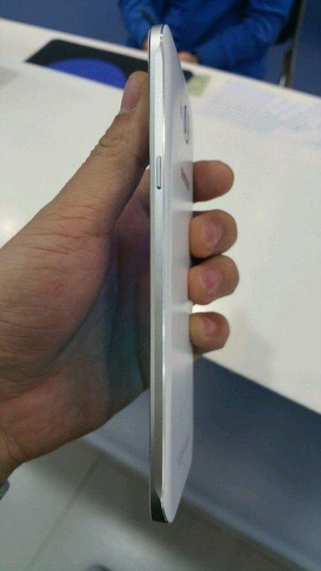 Samsung-Galaxy-A8-4.jpg