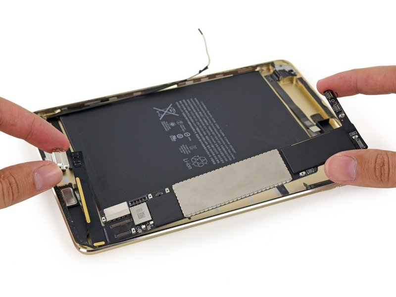 Apple-iPad-mini-4-teardown-10.jpg