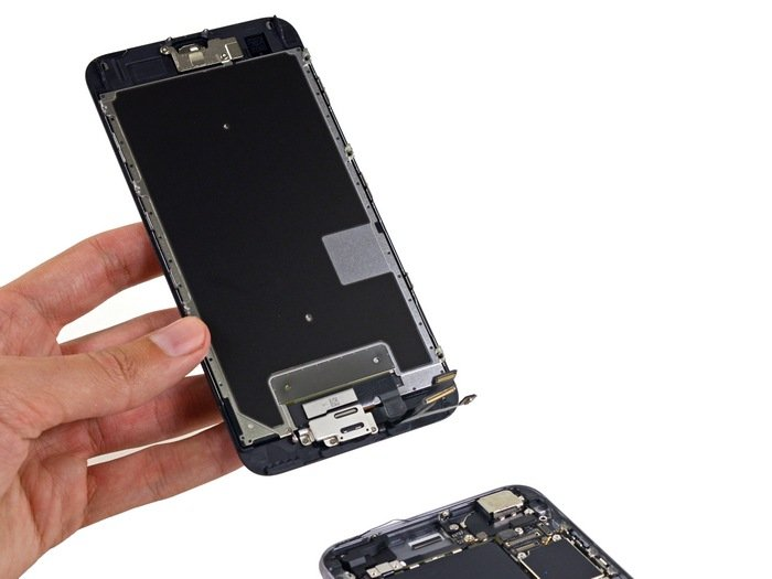 Apple-iPhone-6s-Plus-teardown-9.jpg