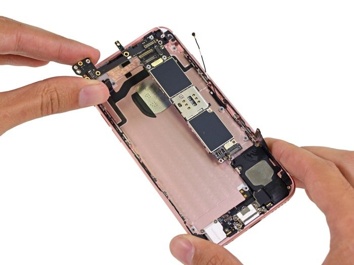 Apple-iPhone-6s-teardown-21.jpg