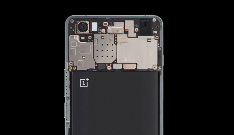 It-sports-last-years-top-chip-the-Qualcomm-Snapdragon-801.jpg