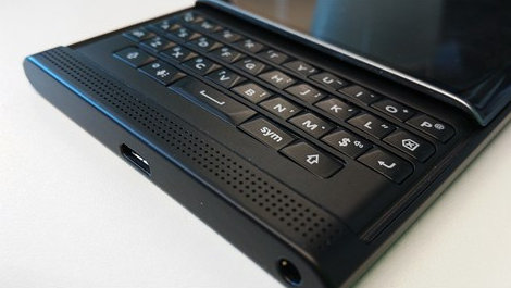 Latest-pictures-of-the-BlackBerry-Priv.jpg-4.jpg