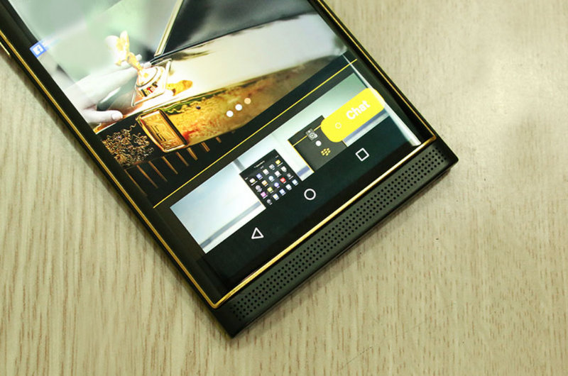 How-would-you-like-a-24K-gold-plated-BlackBerry-Priv.jpg-2.jpg