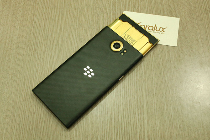 How-would-you-like-a-24K-gold-plated-BlackBerry-Priv.jpg-3.jpg