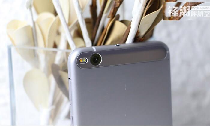 HTC ONE X9 4
