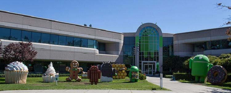 android_statues_google_lawn