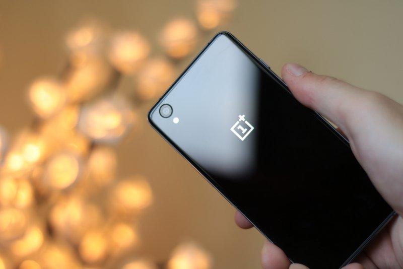 A OnePlus precisa de um smartphone gama-média no mercado