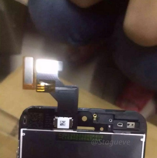 First-pictures-of-iPhone-SE-leak-1.jpg