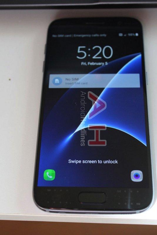 Samsung-Galaxy-S7-amp-S7-edge-leaked.jpg