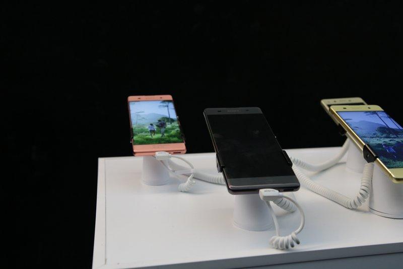 Sony-Xperia-X-4gnews-14.jpg