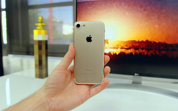 iPhone 7 dummy (Jonathan Morrison)