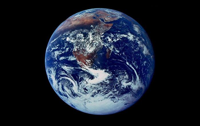 Primeira fotografia do Planeta Terra