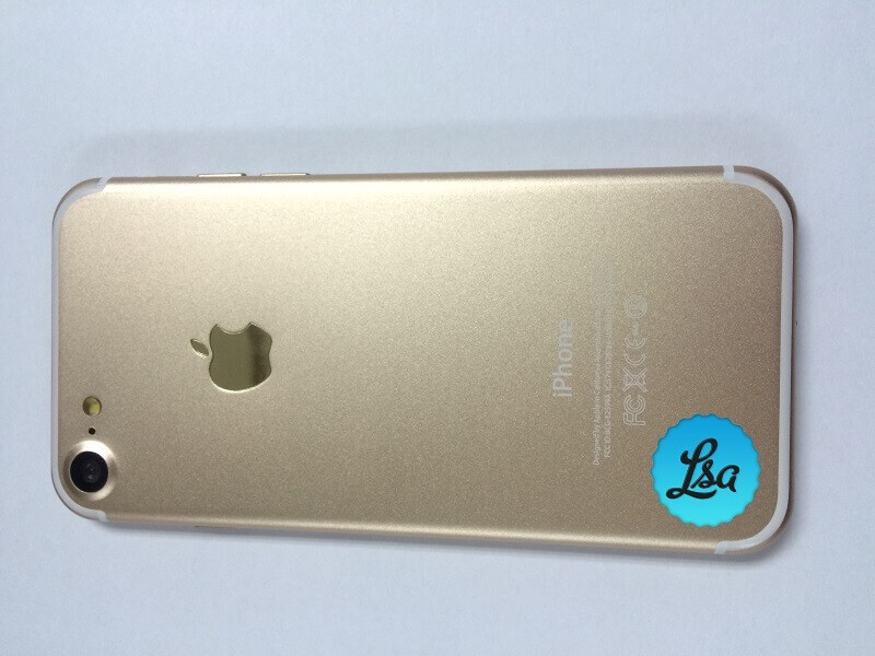 iPhone-7-and-iPhone-7-Plus-in-Gold-and-Space-Black2.jpg
