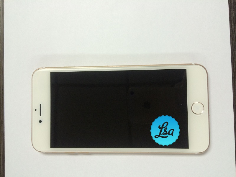 iPhone-7-and-iPhone-7-Plus-in-Gold-and-Space-Black4.jpg