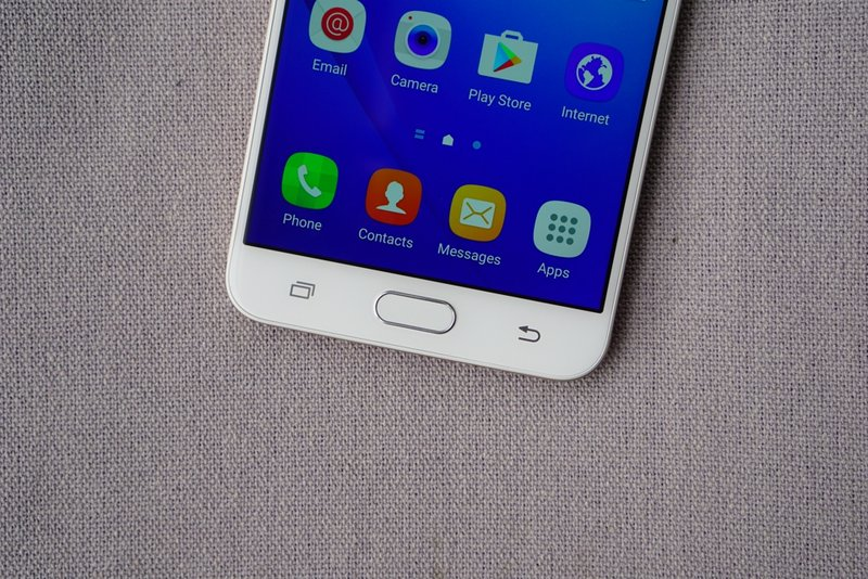 Samsungs-Galaxy-J7-Prime-in-pictures-7.jpg