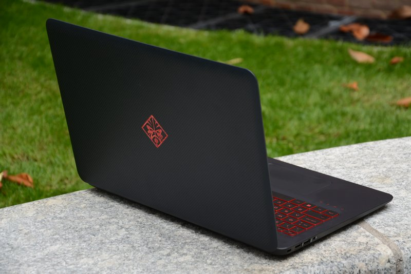 hp_omen_15_back_angled