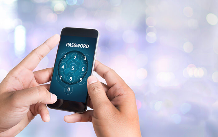 iphone-hacker-smartphone-1