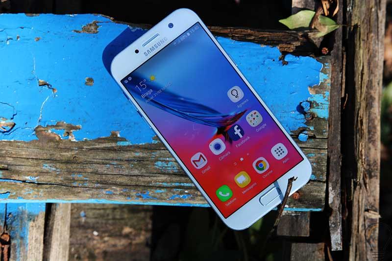 Samsung Galaxy A5 (2017) e A7 começam a receber Android Nougat
