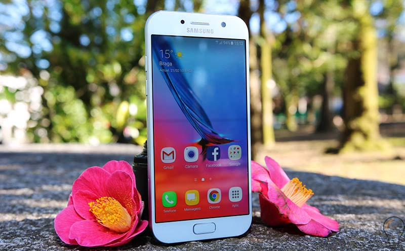 Samsung Galaxy A5 2018 Bixby, Infinity Dispay