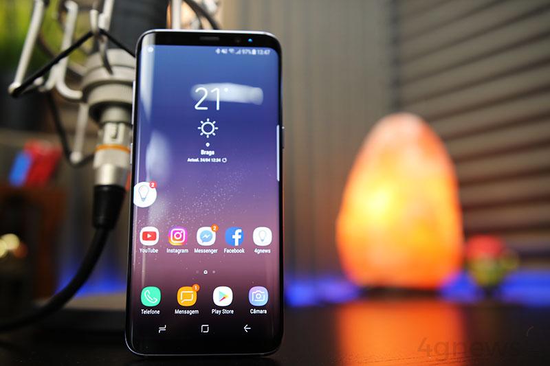 Samsung: Utilizadores não conseguem apagar a aplicação do Facebook
