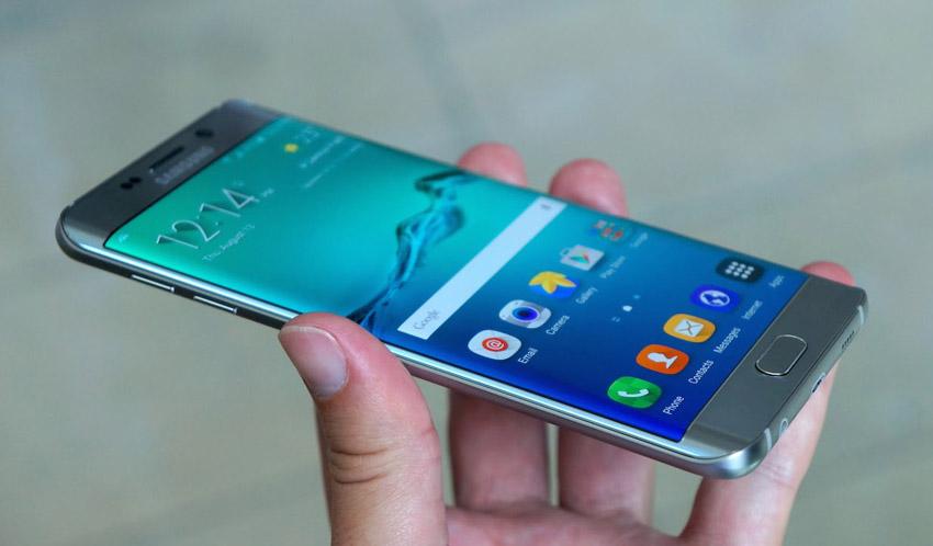 Capturas de ecrã do Samsung Galaxy S6 edge com Android Nougat