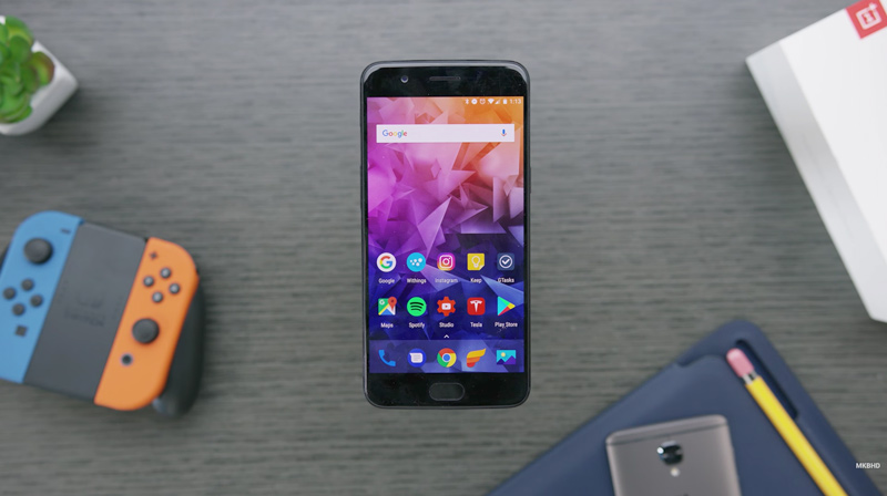 OnePlus 5   Crédito: MKBHD