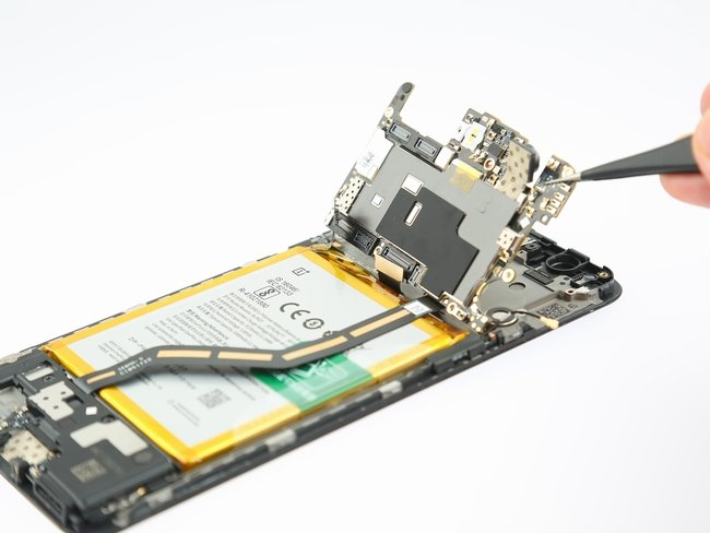 OnePlus-5-Teardown-14-600x400.jpg